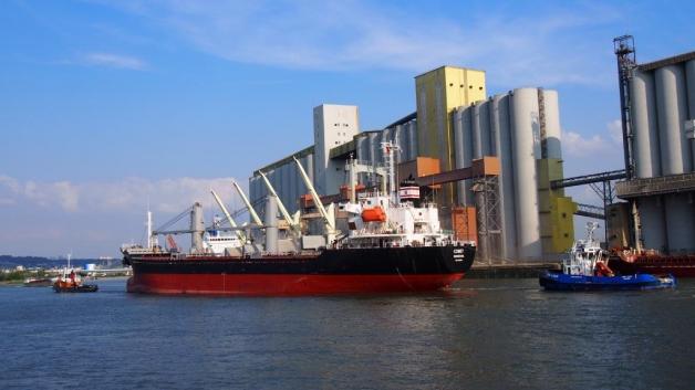 Photo : exportation de céréales au départ du port de Rouen