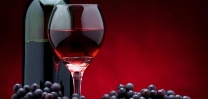 bouteile et verre de vin