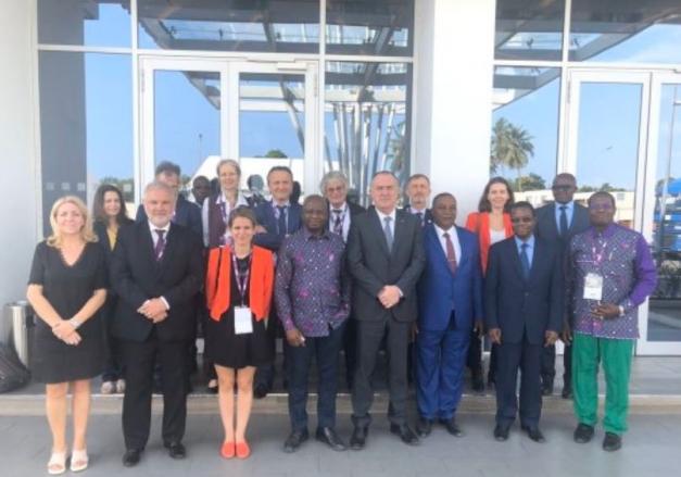 photo de Christine Avelin, du ministre de l'Agriculture et de l'Alimentation et des  officiel du gouvernement Ivoirien
