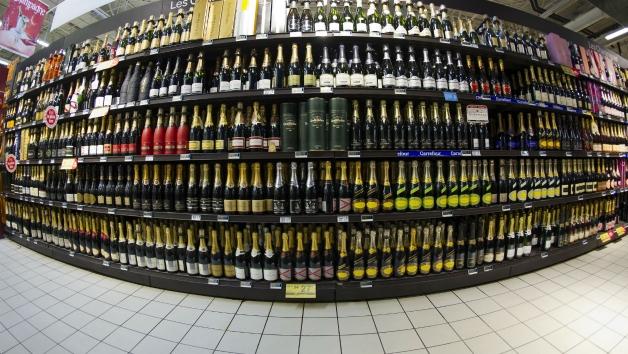 photo d'un rayon de boisson alcoolisé