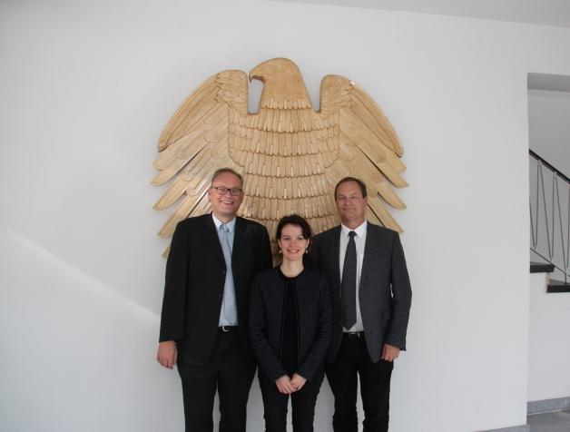 Photo officiel  (Matthias Nickel, du BLE - Bundesanstalt für Landwirtschaft und Ernährung), autrichiens (Christian Gessl, de AMA - AgrarMarkt Austria) et français (Mylène Testut-Neves, de FranceAgriMer)