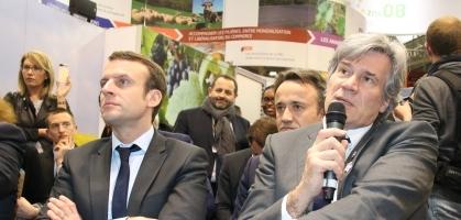 E Macron et S Le Foll assistent à la présentation des lauréats P3A
